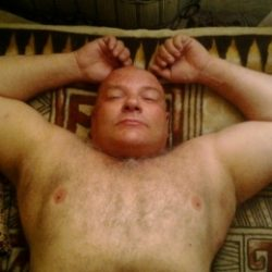 Я парень ищу девушку в Москве для сладкого куни