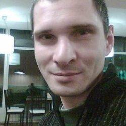 Парень в поисках девушки или женщины, которая желает разработать попку парню в Москве