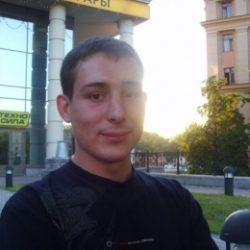 Парень познакомиться с девушкой в Москве для секса без обязательств!
