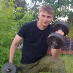 Я парень из Москвы. Ищу девушку для секса в своем авто.