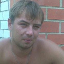 Мужчина приятной внешности из Москвы, пока что гетеро, отдастся мужчине как пасс.