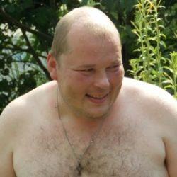 Парень ищет девушку в Москве для секса