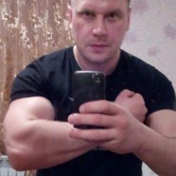 Парень из Москвы. Ищу девушку для приятного общения и секса