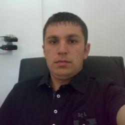 Молодой парень с большим членом ищет девушку для секса в Москве
