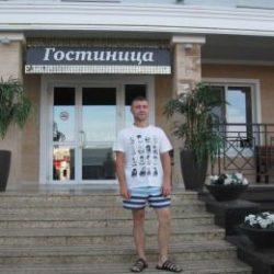 Парень. Ищет стройную девушку для секса без обязательств в Москве.