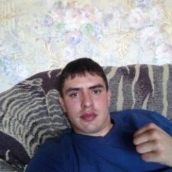 Внимательный, симпатичный добрый и нежный парень. Ищу девушку одну и надолго в Москве