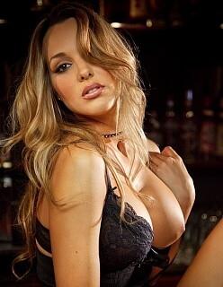 Девушка ищет мужчину для секс свидания в Москве