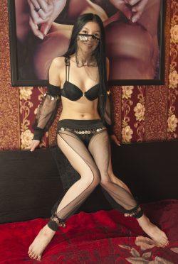 Жгучая, сладкая, страстная девочка, ищет парня в Москве, хочу страстного секса!