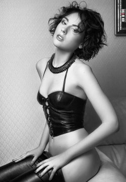 Девушка из Москвы. Ищу мужчину для отношений и секса.