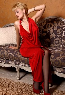 Сексапильная девушка познакомится с мужчиной для встреч в Москве