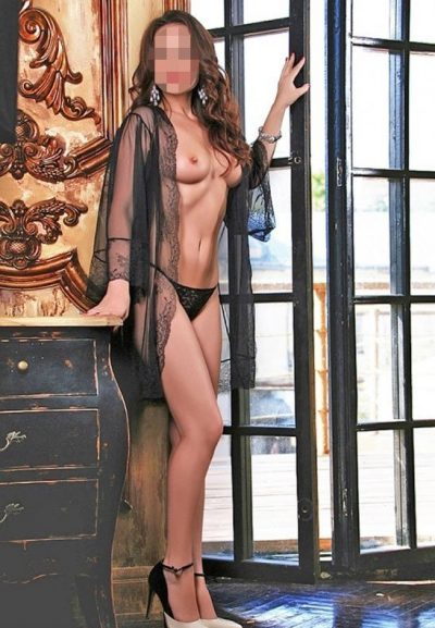 Я миленькая, пошленькая девушка с прекрасными формами, ищу страстного парня в Москве