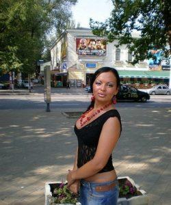 Миниатюрная девушка ищет мужчину в Москве для страстного интима