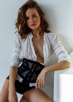 Девушка, ищу милую развратницу для реализации похотливых желаний, в Москве