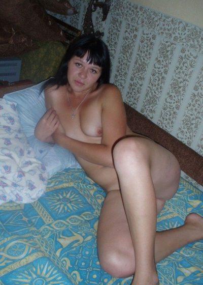 Похотливая девушка ищет горячего мужчину для секса в Москве