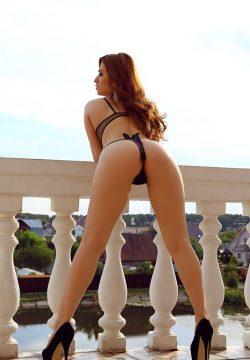 Сексуальная, развращенная девушка познакомится с парнем для вирта в скайпе