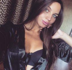 Красивая молодая блондинка познакомится для частых встреч в Москве
