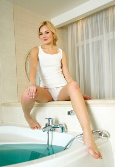 Привлекательная и обаятельная девушка из Москвы, ищет приятного мужчину для секса