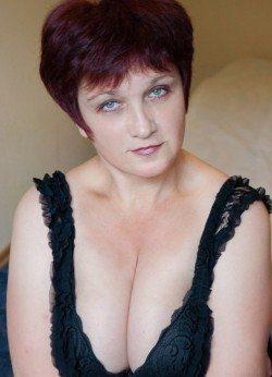 Сладкая девочка с приятной попкой и грудью желает познакомиться с мужчиной в Москве