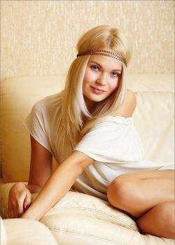 Шикарная блондинка, ищу парня в Москве
