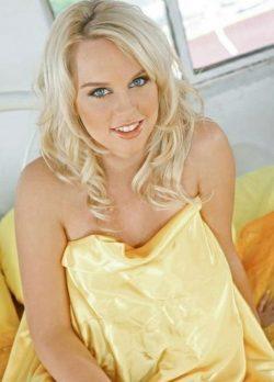 Сексуальна блондинка в поиске разврата, ищет себе страстного мужчину в Москве