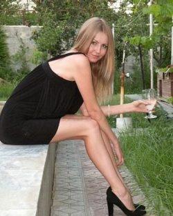Грудастая блондинка, познакомлюсь с мужчиной для секса в Москве