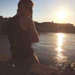 Парень ищет симпатичную девушку для встреч без обязательств и комерции в Москве