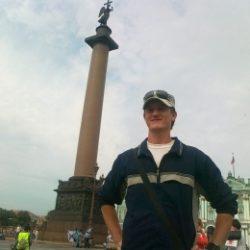 Молодой человек ищет девушку для секса в Москве