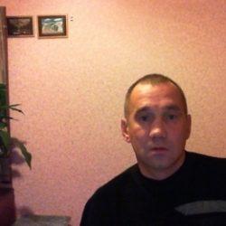Парень ищу зрелую женщину для оральных ласк и секса по симпатии в Москве