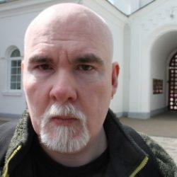 Парень с большим членом хочет секса с девушкой в Москве