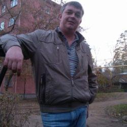Парень ищет в Москве девушку для ночи любви