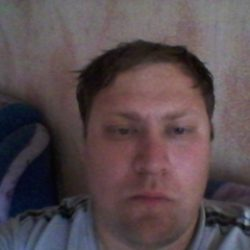 Парень ищет девушку в Москве