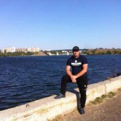 Парень из Москвы. Ищу девушку для приятных встреч и прогулок!