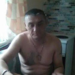 Парень ищет девушку в Москве. Ищу девушку, которая сделает минет